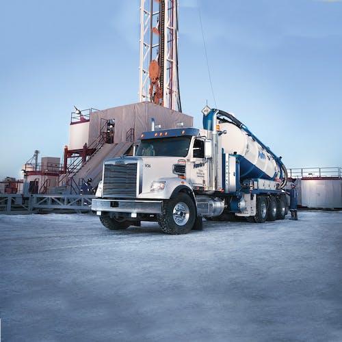 114sd-oil-gas-1000x1000.jpg