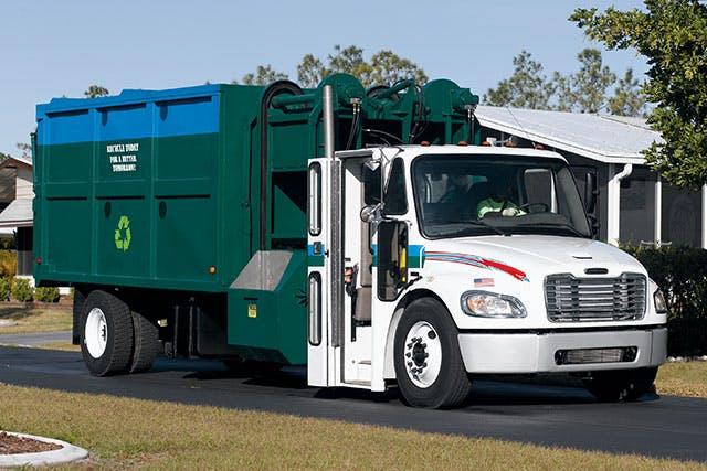 refuse-white-green-640x427.jpg